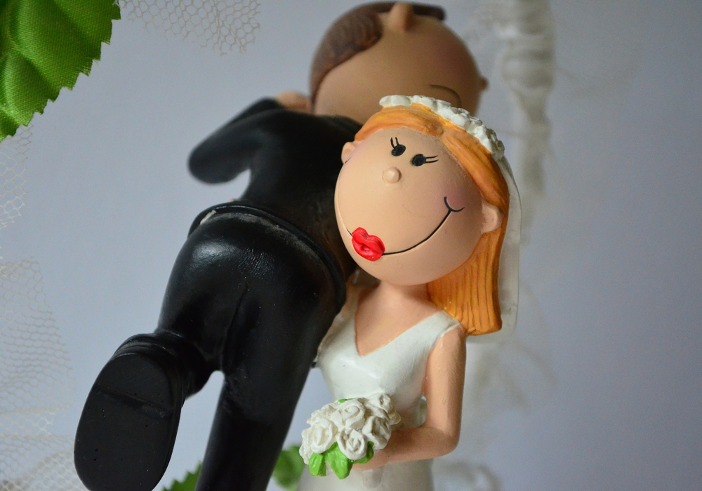 Hochzeit Schulter Braut Bräutigam Foto: pixabay.de (Public Domain)