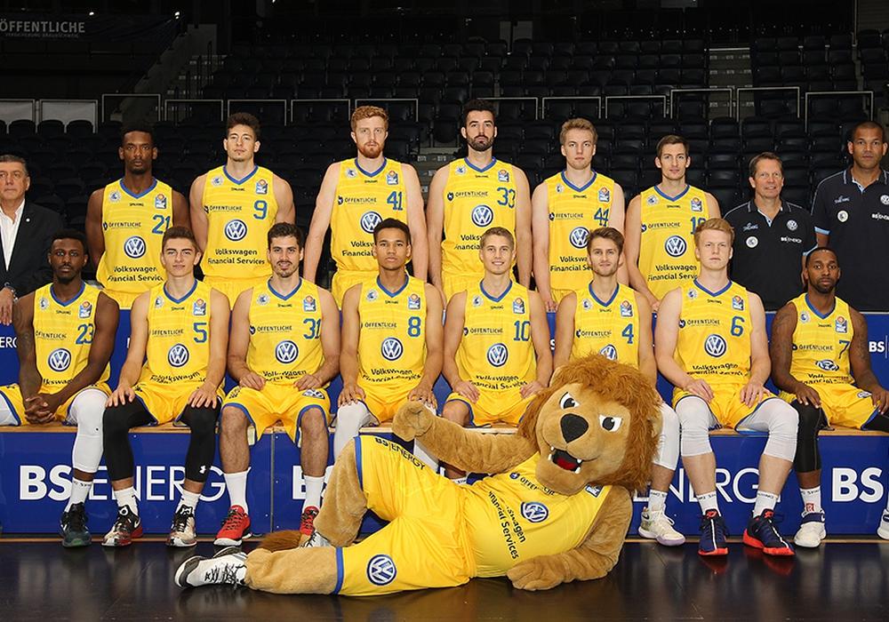 Das Team der Basketball Löwen hatte vor dem Löwentag offizelles Shooting. Foto: Agentur Hübner