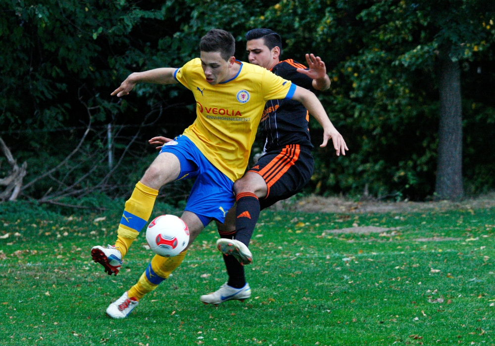 Willkommen zurück Marcel Bär! Hier im Wolters Flutlichtpokal im Sommer 2012 gegen den HSC Leu 06. Foto: Frank Vollmer/Archiv