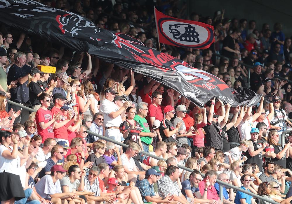 Große Vorfreude bei den Fans: Es geht endlich wieder los! Foto: Agentur Hübner
