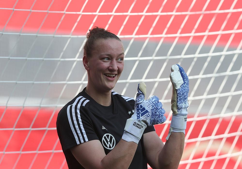 Nationalspielerin Almuth Schult bekommt einen neuen Torwarttrainer. Foto: Agentur Hübner/Archiv