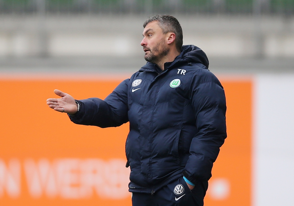 VfL U19-Trainer Thomas Reis bekamen kein Tor im Hinspiel. Foto: Agentur Hübner/Archiv
