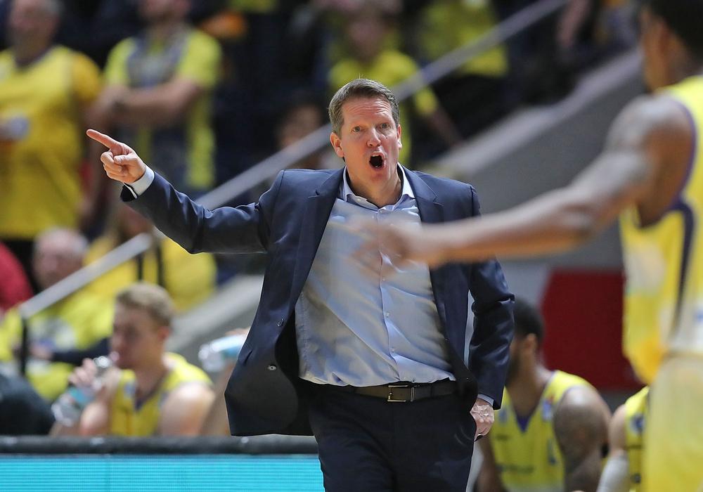 War enttäuscht: Basketball Löwen-Trainer Frank Menz. Foto: Agentur Hübner/Archiv