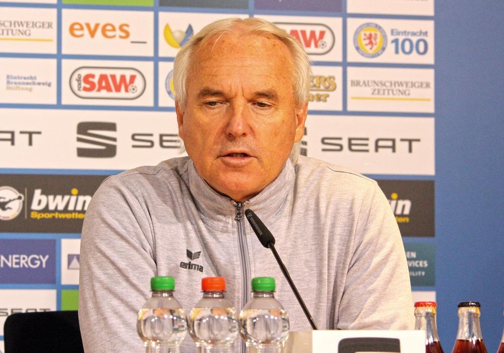 Hatte wenig Schlaf in den letzten 60 Stunden: Eintrachts Sportdirektor Peter Vollmann. Foto: Frank Vollmer