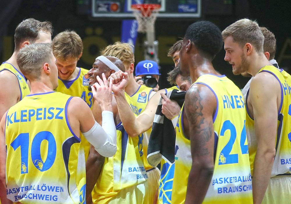 Haarscharf an einer erneuten Überraschung gegen Bamberg vorbei geschrammt: Basketball Löwen Braunschweig. Foto: Agentur Hübner/Archiv