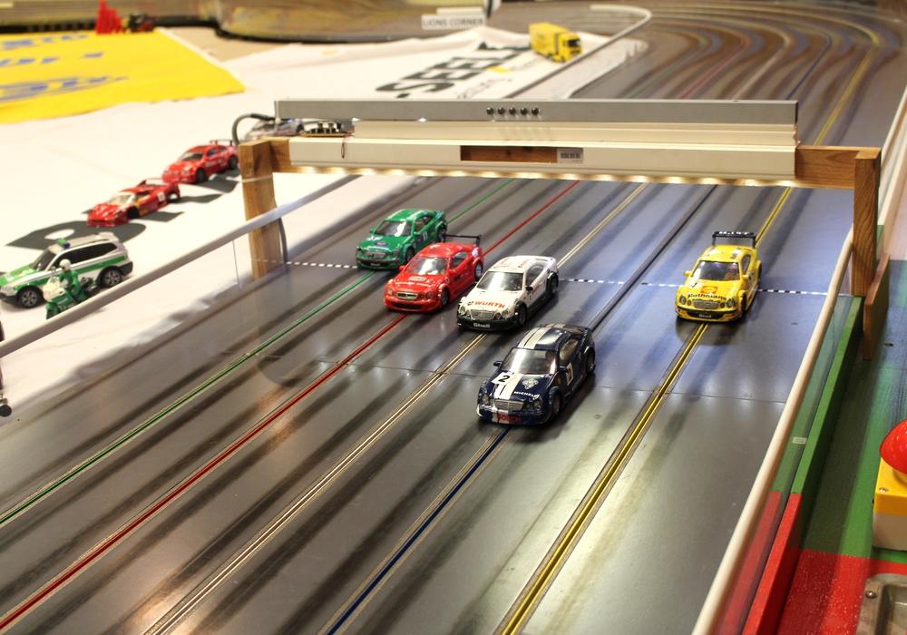 Die Slot-Car-Bahn wird nicht nur für offizielle Rennen sondern auch für Events genutzt.  Foto: Alexander Dontscheff