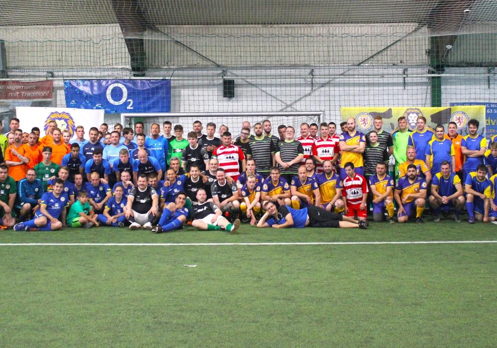 Munteres Treiben beim DERBYCUP in der Kick-OFF in Braunschweig. Foto: Eintracht inklusiv