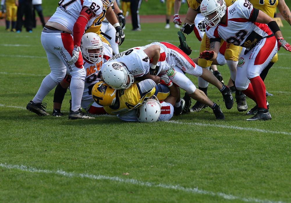 Die Defense der Lions tat sich schwer das Laufspiel der Elmshorner zu stoppen. Foto: Fabian Uebe/1.FFC Braunschweig