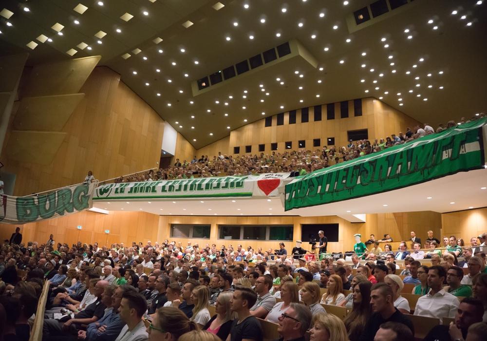 Das Scharoun Theater war bis auf den letzten Platz ausverkauft. Foto: Jens Bartels
