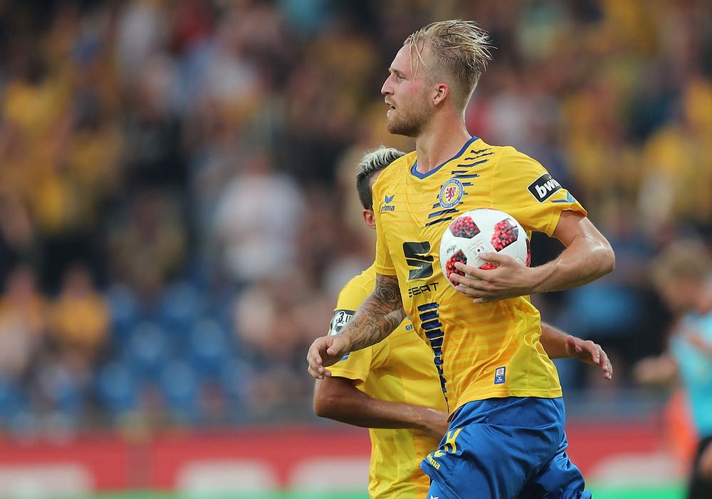 Sein Tag, sein Spiel, sein Ball: Philipp Hofmann gelang beim VfR Aalen (fast) alles. Foto: Agentur Hübner/Archiv
