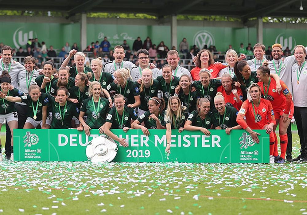 Zum fünften Mal Meister. VfL Wolfsburg Frauen. Foto: Agentur Hübner