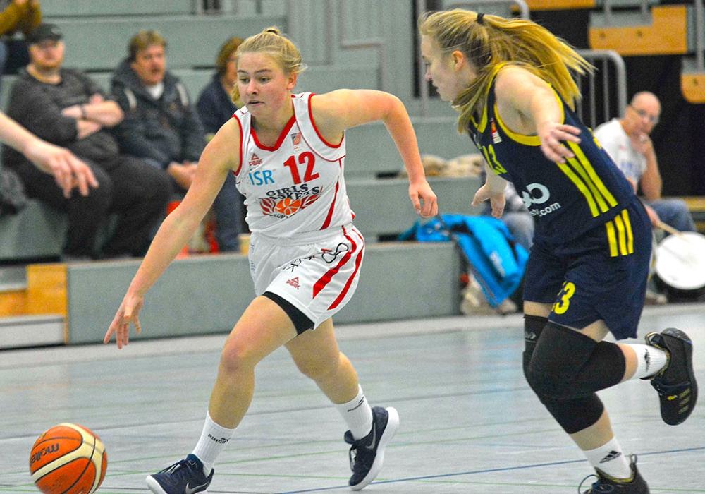 Johanna Wegmann und die Girls Baskets verloren innerhalb einer Woche ein zweites Mal gegen Alba Berlin. Foto: Thorsten Wildrich