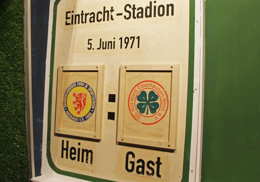 """Der Escape-Room """"Club of Experts – doppeltes Spiel"""" wurde eröffnet. Foto: Eintracht Braunschweig/Hidden"""