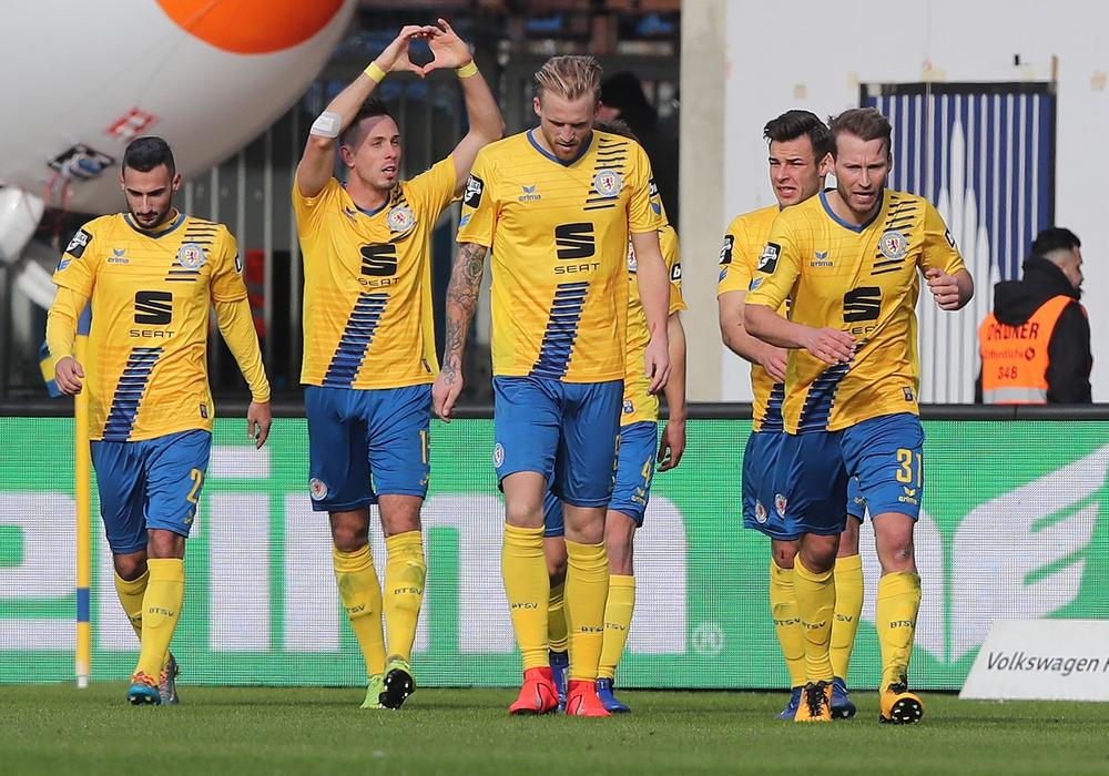 Ein Schritt fehlt noch: Endspiel gegen Cottbus am kommenden Samstag. Foto: Agentur Hübner