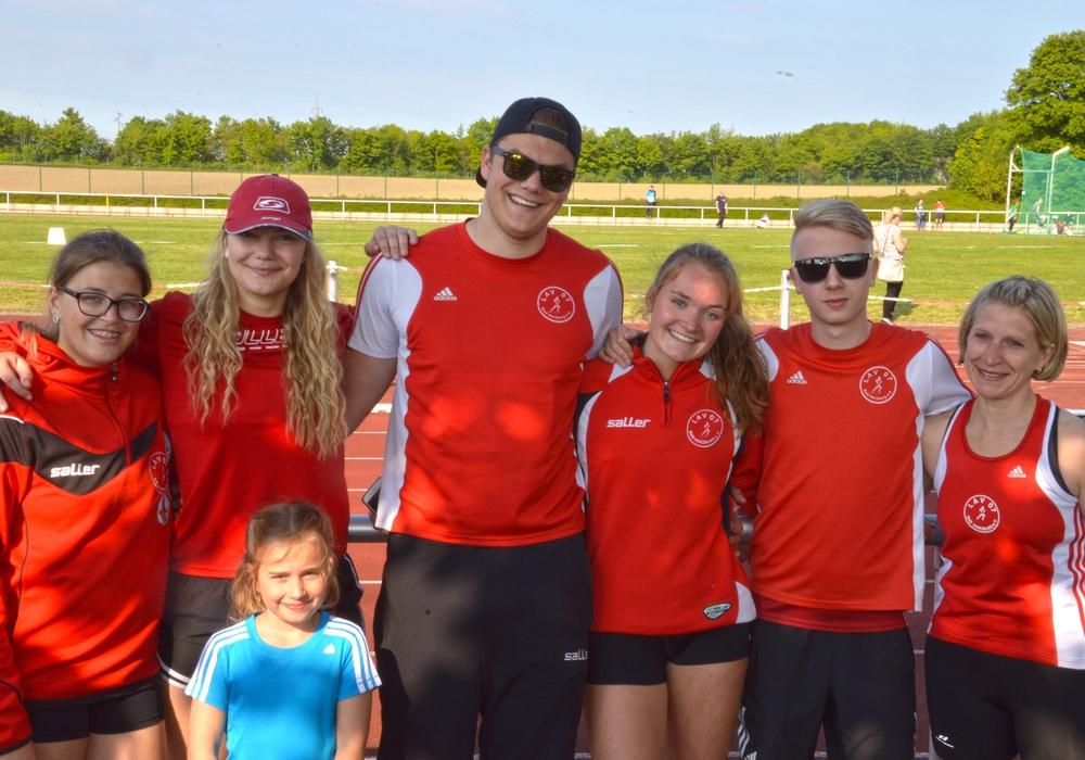 Die LAV-Athleten (v.l.n.r): Michelle-Sophie Nebendahl, Angelique Lehmann, Dominique Lehmann, Stina Ackermann, Tobias Bötticher, Nadine Thoens. Foto: privat/LAV