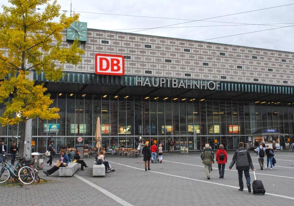 Die Chaoten randalierten am Braunschweiger Hauptbahnhof. Symbolfoto: Sina Rühland