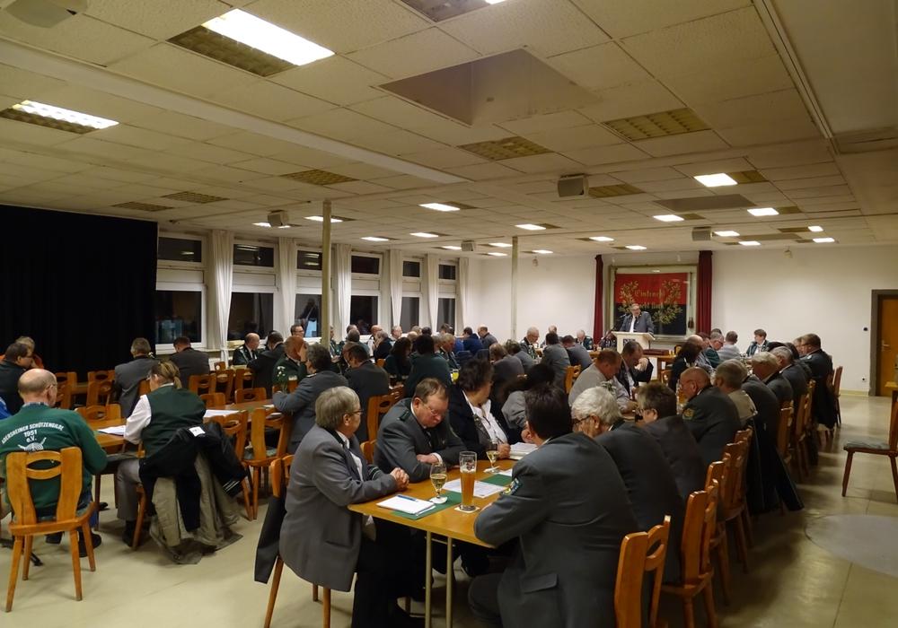 Der gut gefüllte Saal der Vertreter der einzelnen Vereine. Fotos: Peter G. Matzuga