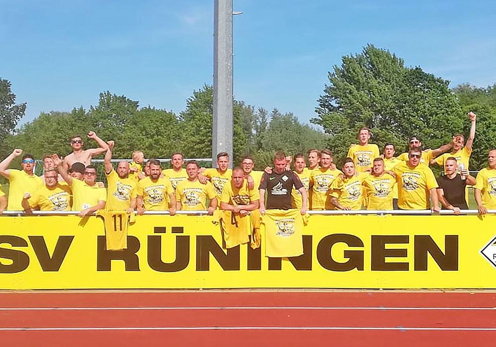 Meister der 1. Kreisklasse und Aufsteiger in die Kreisliga: TSV Rüningen. Foto: Carsten Ambrose