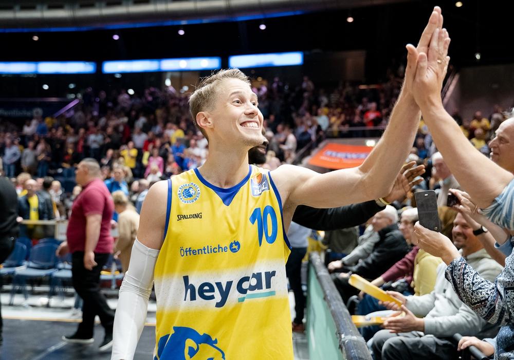 Für ihr Heimspieldebüt in den Playoffs setzen die Basketball Löwen ganz auf die Fans. Foto: Reinelt/PresseBlen.de