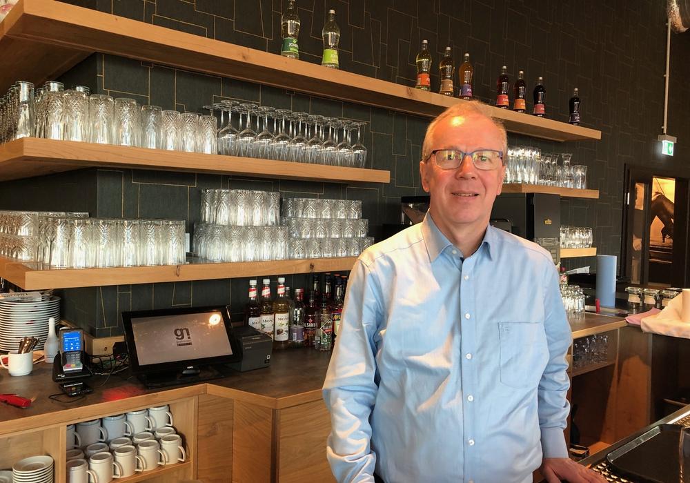 """Der Wolfenbütteler Gastro-Unternehmer Peter Schittko zieht bei regionalKulinarisch.de eine erste Vier-Wochen-Bilanz nach der Eröffnung des """"Zum Glück"""" im Löwentor."""