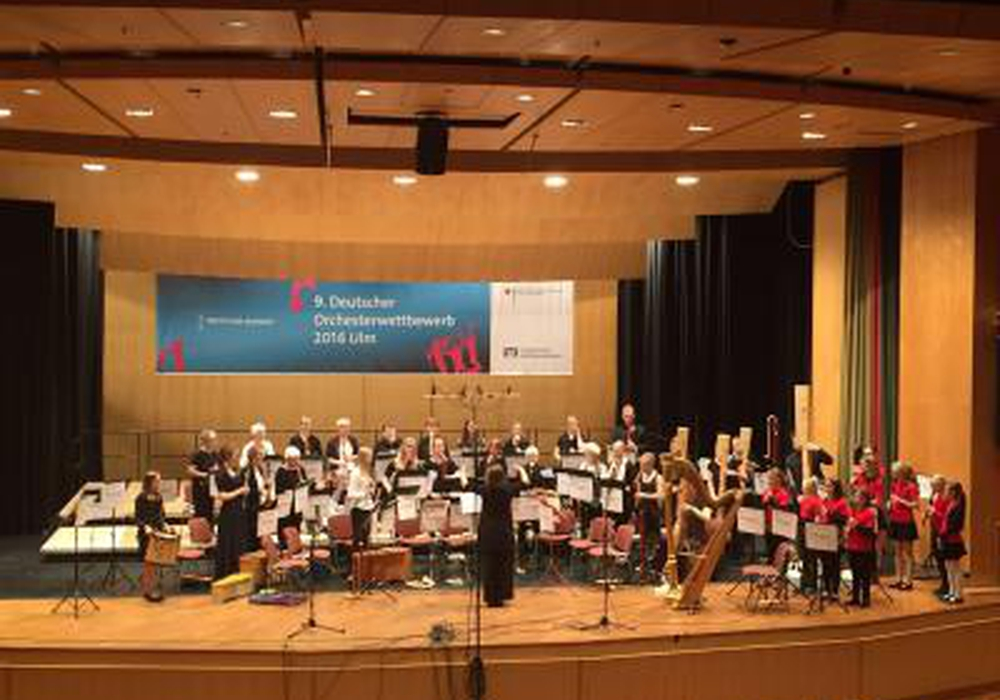 Das Jugend-Sinfonie-Orchester (JSO) der Städtischen Musikschule hat am Himmelfahrtswochenende unter der Leitung von Knut Hartmann zum wiederholten Mal sehr erfolgreich beim Deutschen Orchesterwettbewerb in Ulm abgeschnitten. Foto: Stadt Braunschweig