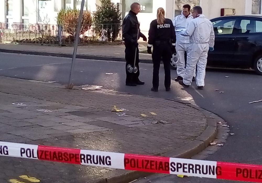 Die Polizei am Tatort im Januar. Foto: Dieter Schneider