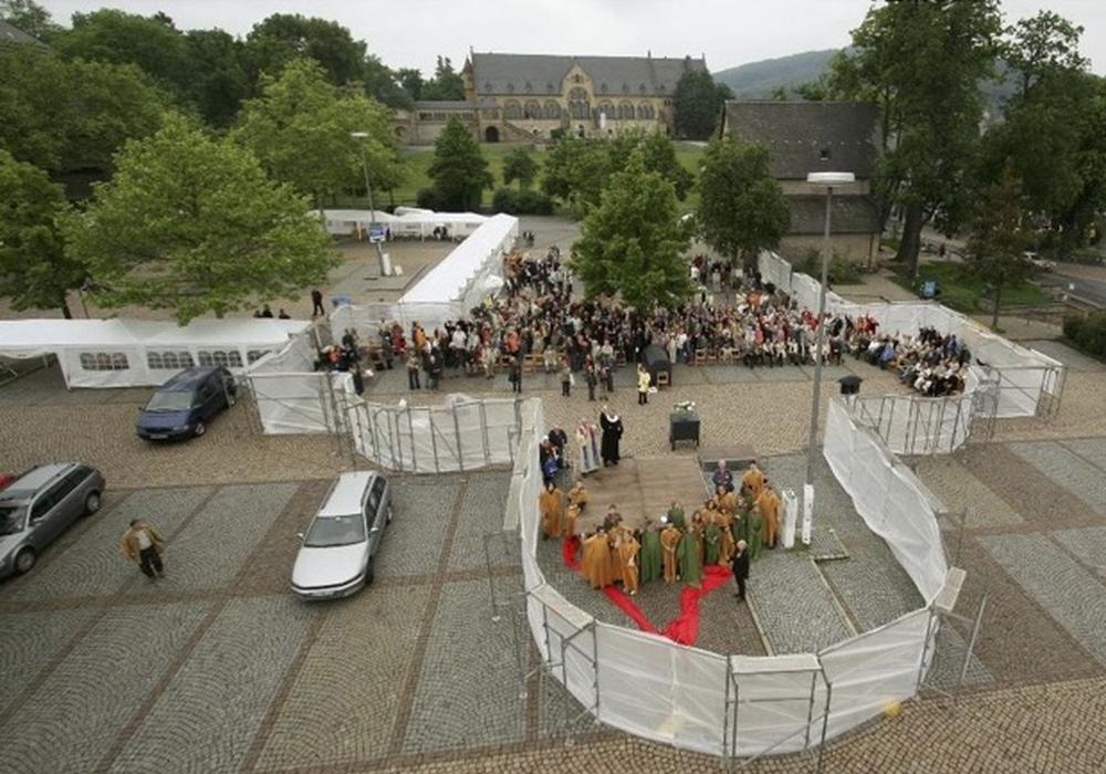 Temporäre Rekonstruktion von Stiftskirche und Kreuzgang zum Welterbetag 2007.
