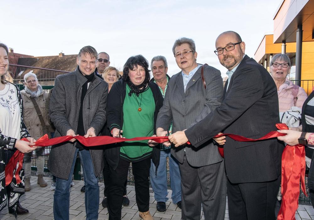 Von links: 1. Bürgermeister Stefan Klein, Kita-Leiterin Karin Esser, Pfarrerin Ina Böhm und Ortsbürgermeister der Ortschaft Ost Marco Kreit
