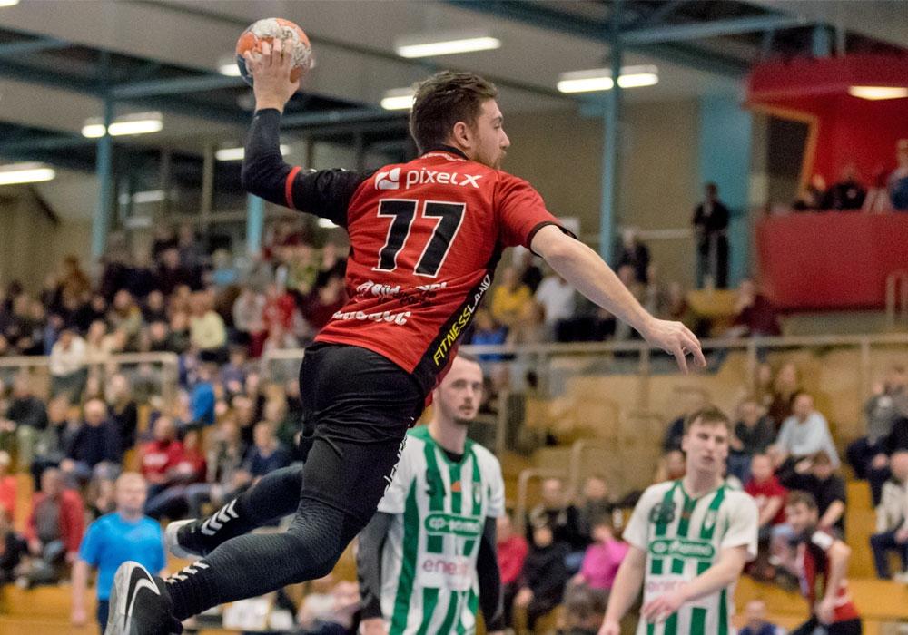 Vlatko Ranogajec macht den symbolischen Überflieger: Seine Mannschaft ist derzeit nicht zu stoppen.