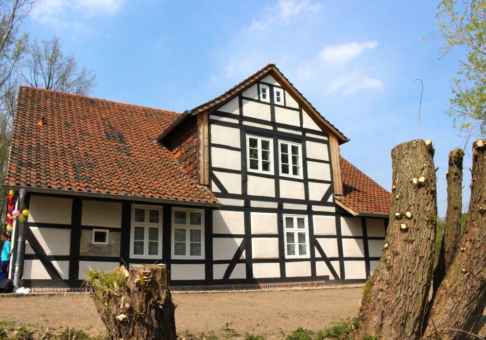 """Das """"Haus Entenfang"""" ist der Treffpunkt für den Arbeitseinsatz. Foto: Sina Rühland"""