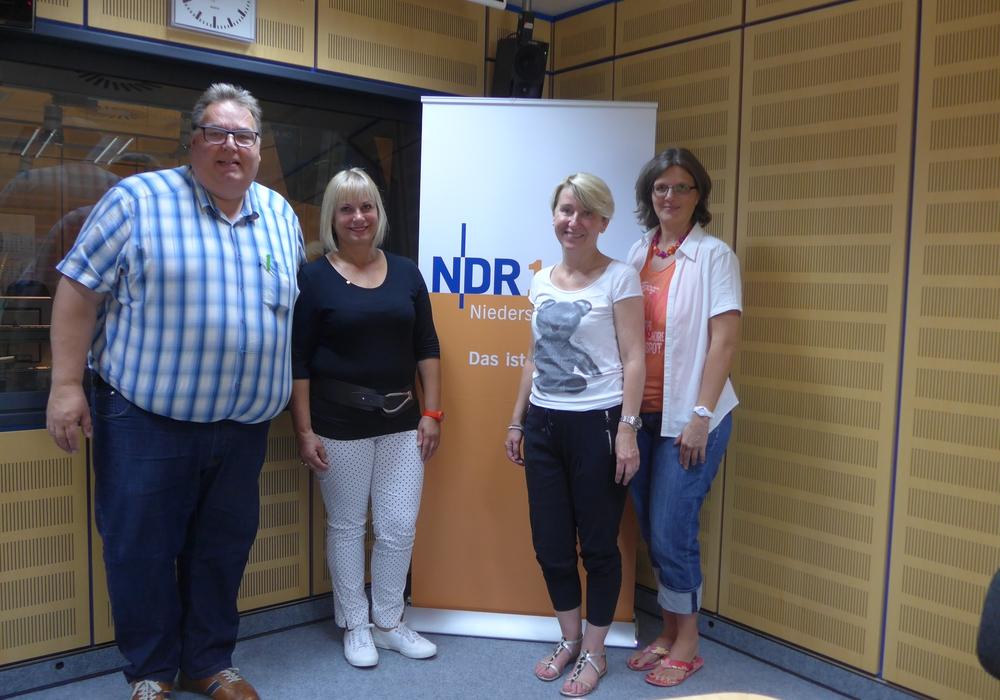 v.l. Michael Thürnau, Marita Draheim, Jutta Alles und Dr. Nicole Laskowski Foto: NDR 1 Niedersachsen