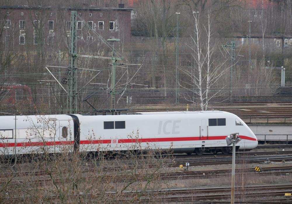 Das Mädchen wurde im Zug in Brandenburg entdeckt. Symbolbild: Alexander Panknin