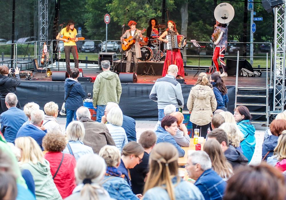 Am Wochenende gibt es beim Kultursommer wieder Musik vor dem Lessingtheater. Foto: Stadt Wolfenbüttel
