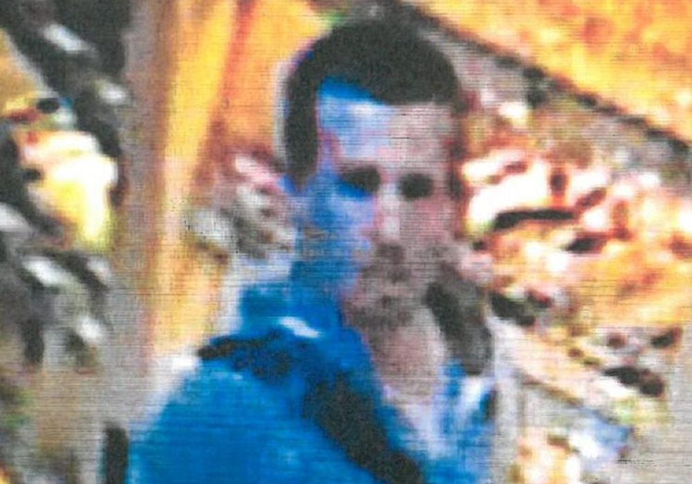 Die Polizei sucht nach diesem Mann. Foto: Polizei