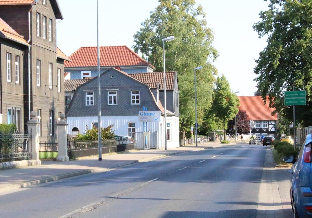 Welche Auswirkungen haben die Bauarbeiten am Neuen Weg für die anliegenden Geschäfte. Fotos: Max Förster