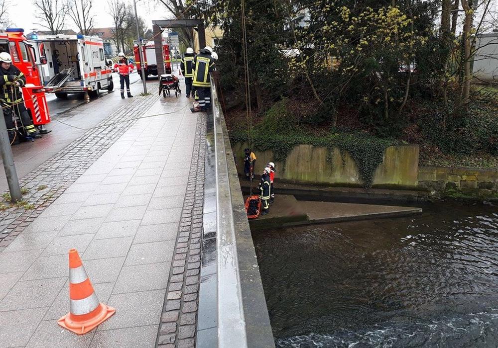 Am Donnerstag musste ein Kanufahrer aus der Oker gerettet werden. Die Feuerwehr rückte mit der Drehleiter an. Foto: Feuerwehr Wolfenbüttel.