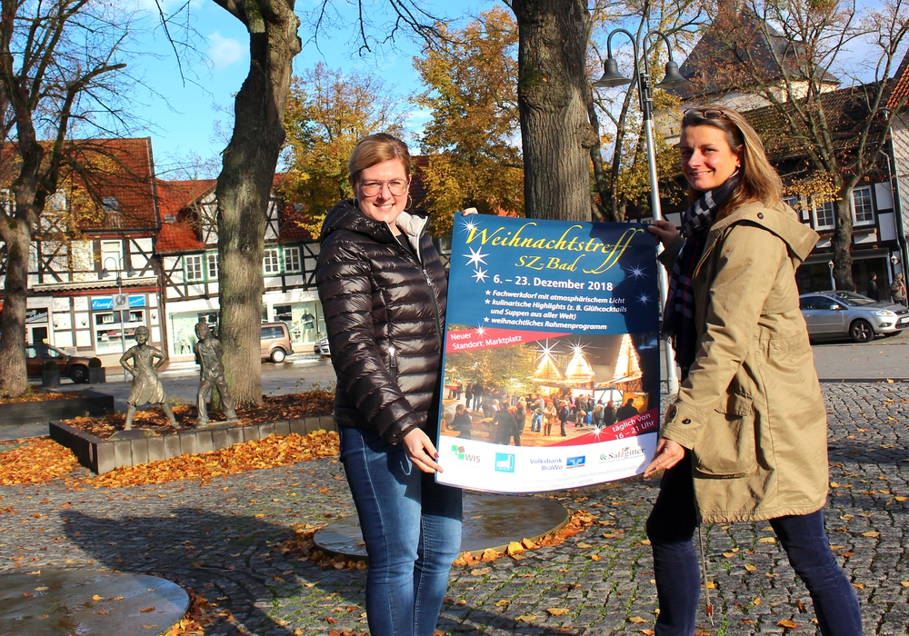 Die Organisation steht, die Vorfreude steigt: Anna Fenske (li.) und Nicole Lüdicke von der WIS GmbH freuen sich auf den Weihnachtstreff 2018. Foto: Nick Wenkel