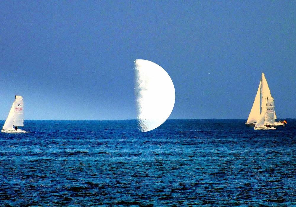 sailing to the moon. Foto: Bernhard Foitzik