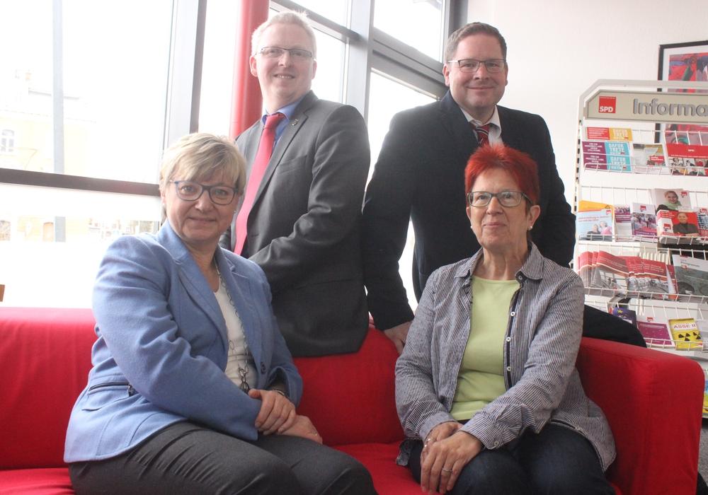 Kultusministerin Frauke Heiligenstdt mit Dörthe Weddge-Degenhard, Falk Hensel und Marcus Bosse im Büro der SPD Wolfenbüttel. Fotos: Anke Donner