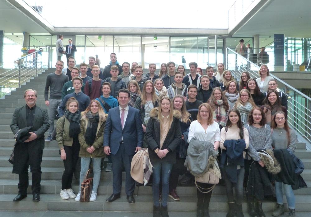 Die Schüler des elften Jahrgangs der IGS Sassenburg waren in Berlin zur Besuch. Foto: Privat