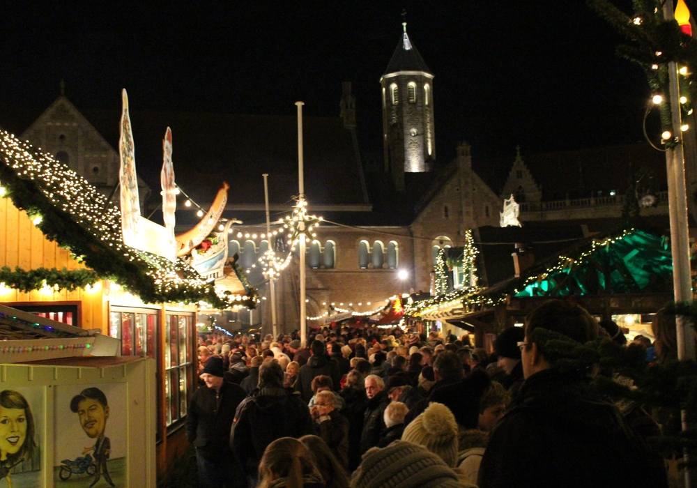 Der Braunschweiger Weihnachtsmarkt geht noch bis zum 29. Dezember. Foto: Sina Rühland