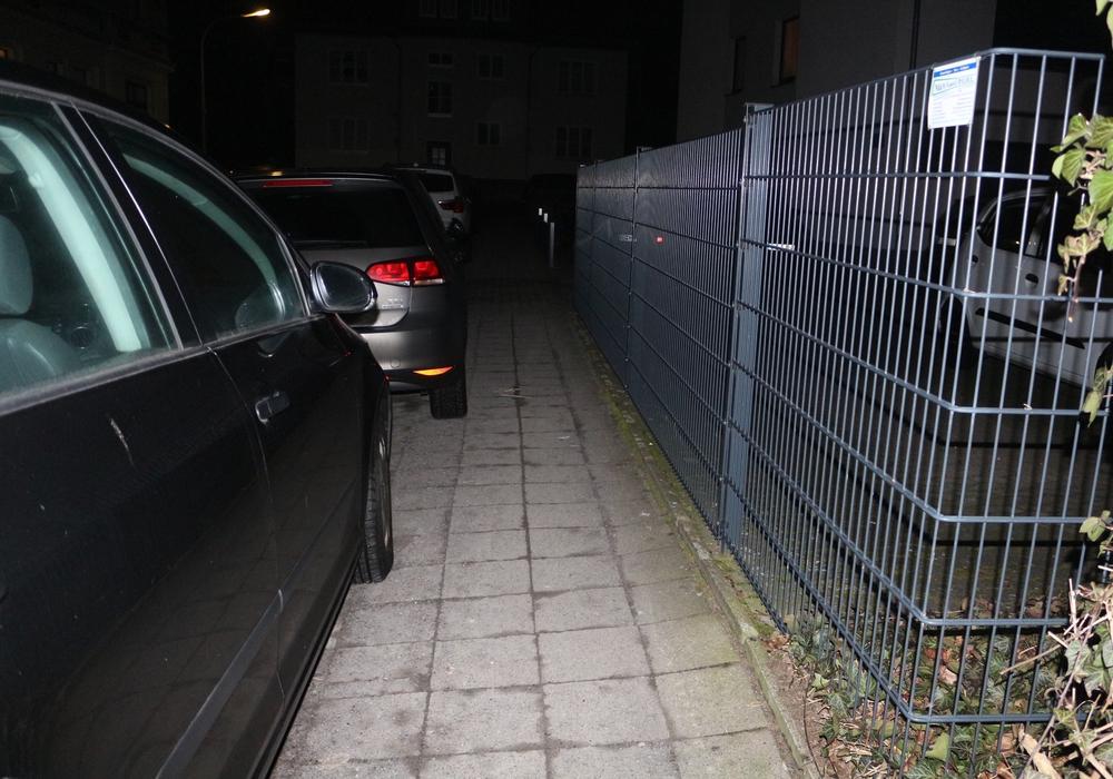 Das Gehwegparken sollte eigentlich verboten werden. Foto: Archiv/Robert Braumann