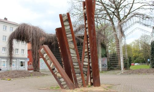 Der Vorschlag der Grünen, den Bereich an der Bahnhofstraße -dort wo das Jüdische Denkmal steht - umzubenennen, wurde abgelehnt.