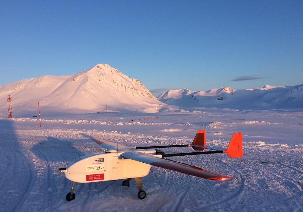 Wissenschaftlerinnen und Wissenschaftler untersuchen Partikelneubildung über Spitzbergen, berichtet das Institut für Flugführung der TU Braunschweig. Foto: TU Braunschweig
