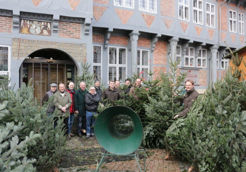 Weihnachtsbaumverkauf, Rotary-Club. Foto: Braumann/Archiv