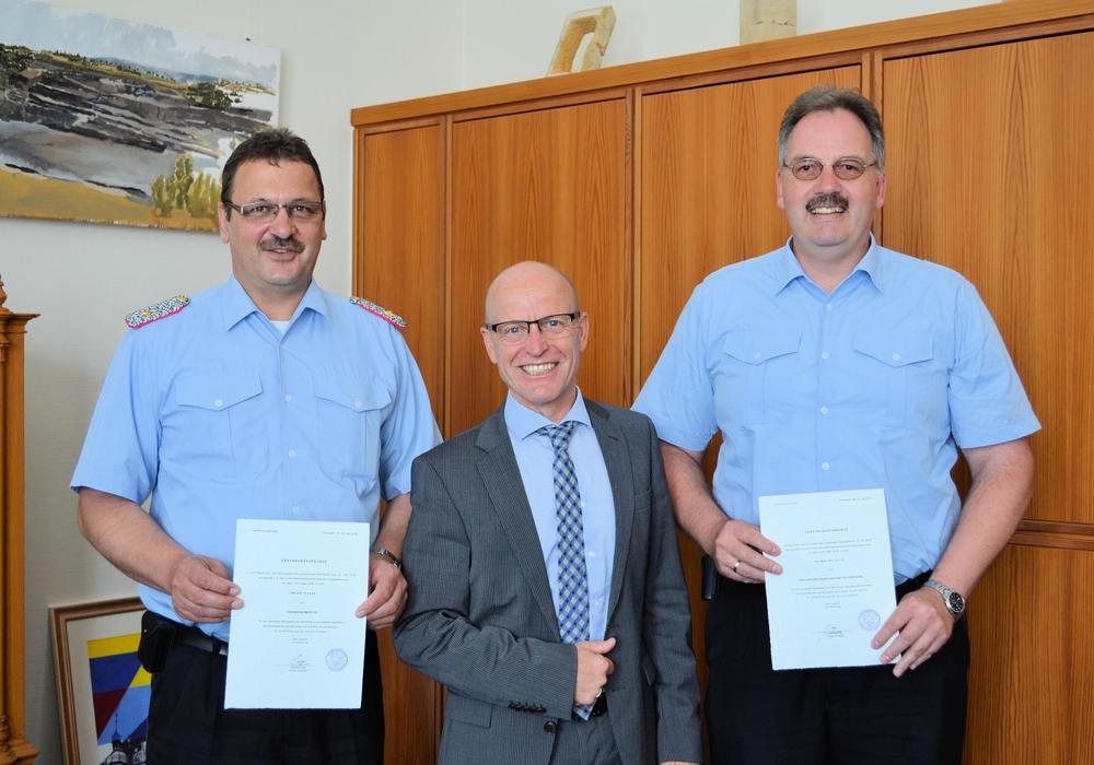 Der Kreistag Helmstedt hat die Ehrenbeamten bei der Kreisfeuerwehr berufen. Foto: Landkreis Helmstedt