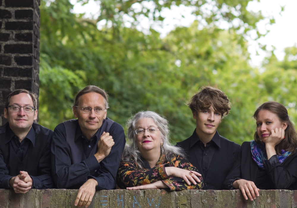 Konzertante Zeitreise mit dem Violinenkonsort Exquisite Noyse in die musikalische Welt des 16. Jahrhunderts. Foto: Veranstalter / St. Magni