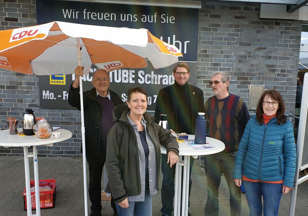 Der Cafe-Treff vor dem Edeka Markt. Foto: CDU