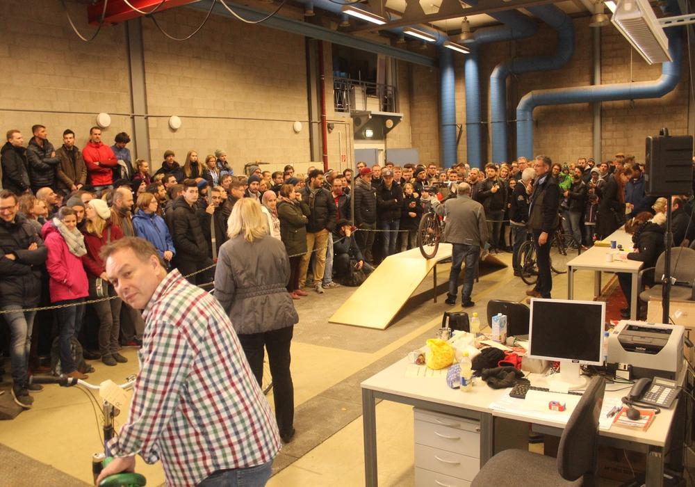 In Braunschweig wurden am Samstag rund 200 Fahrräder versteigert. Fotos: Anke Donner