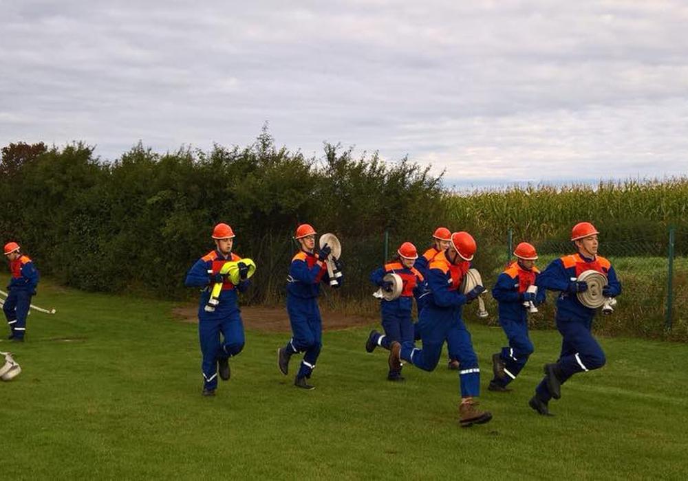 Auch Schnelligkeit und Ausdauer standen auf dem Prüfstand. Fotos: Jugendfeuerwehr Lehre